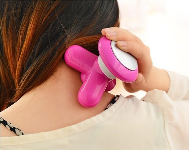 Máy massage cầm tay dùng pin