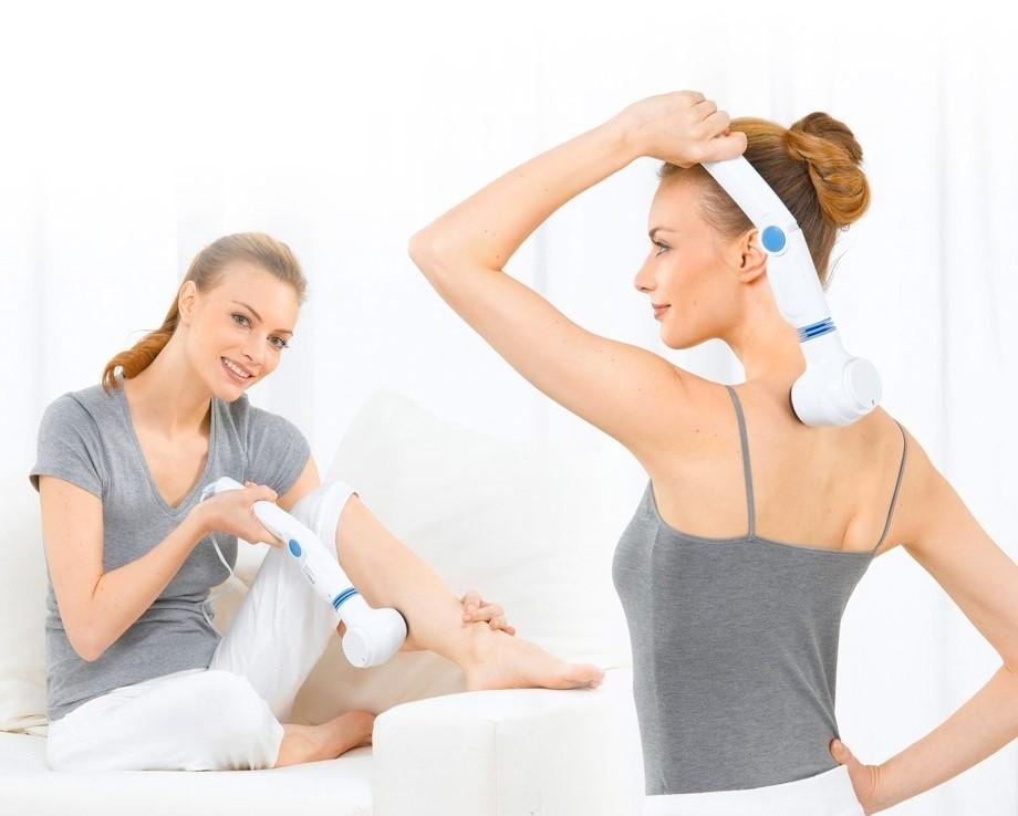Sử dụng máy massage cầm tay giúp xua tan mệt mỏi